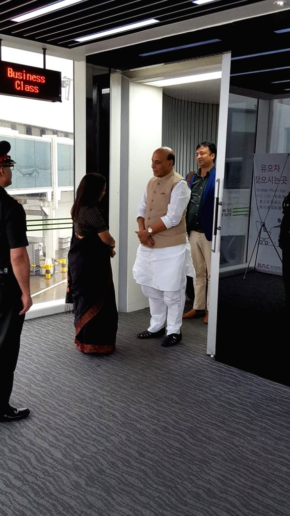 Defence Minister Rajnath Singh being welcomed on his two-day visit to Republic of Korea, in Seoul on Sep 4, 2019. - Rajnath Singh