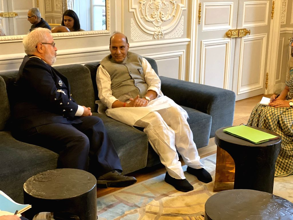 Defence Minister Rajnath Singh meets Defence Advisor to the French President, Admiral Bernard Rogel at Elys??e Palace in Paris on Oct 8, 2019. - Rajnath Singh