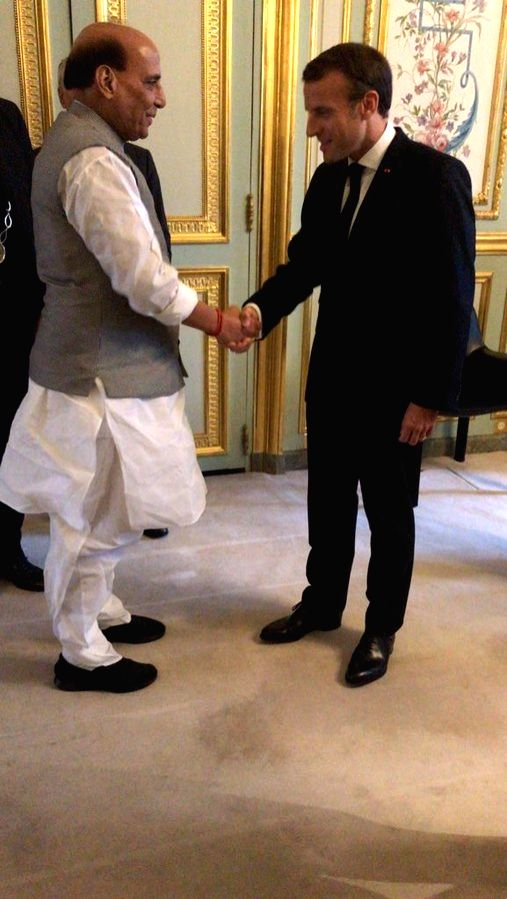 Defence Minister Rajnath Singh meets French President Emmanuel Macron at Elys??e Palace in Paris on Oct 8, 2019. - Rajnath Singh