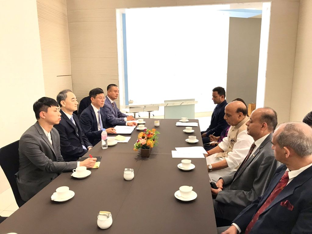 Defence Minister Rajnath Singh meets Korean Defence Acquisition and Programme Administration Minister Wang Jung-hong, in Seoul on Sep 6, 2019. - Rajnath Singh