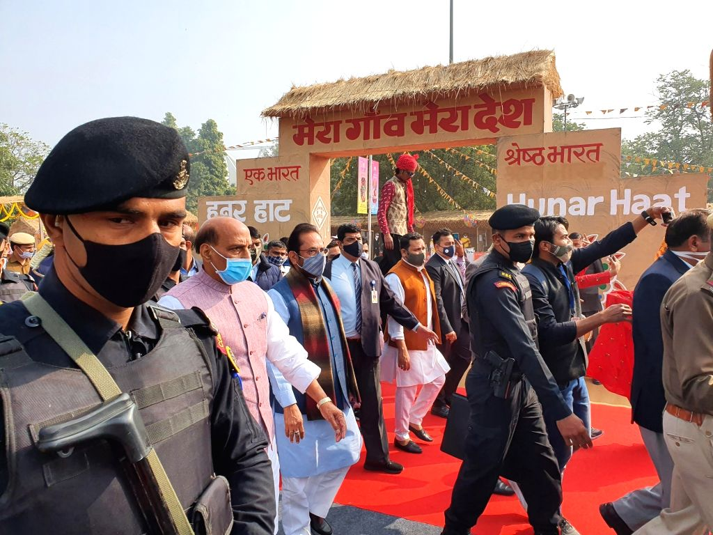 Defense Minister said in 'Hunar Haat', the role of artisans and craftsmen is important in the economic condition of the country.