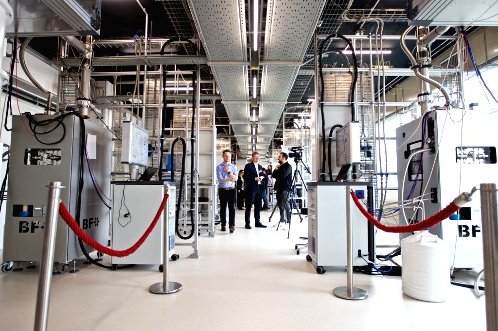 DELFT (THE NETHERLANDS), Feb. 21, 2019 Staff members introduce the Microsoft Quantum Lab Delft to visitors on the campus of Delft University of Technology (TU Delft), in Delft, the ...