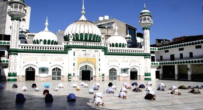 Delhi-based Muslims celebrate safe, humble Eid.