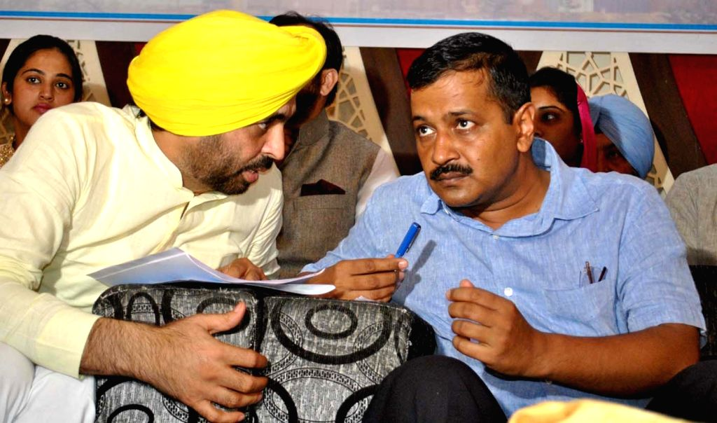 Delhi Chief Minister and AAP national convener Arvind Kejriwal during a meeting with traders, transporters and industrialists in Bathinda on Oct 24, 2016. - Arvind Kejriwal
