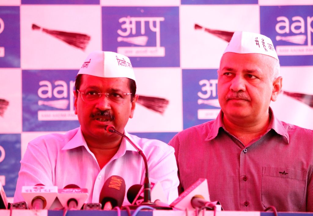 Delhi Chief Minister Arvind Kejriwal accompanied by Deputy Chief Minister Manish Sisodia, addresses a press conference regarding the attack on him during a road show on 4th May, in West ... - Arvind Kejriwal