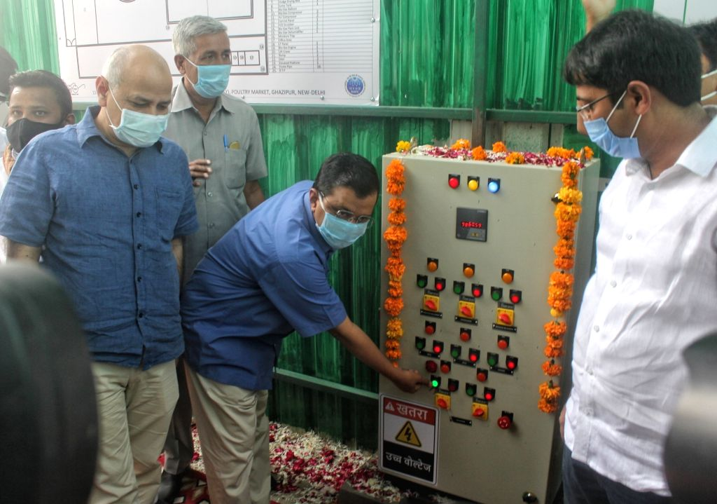 Delhi Chief Minister Arvind Kejriwal and Deputy Chief Minister Manish Sisodia inaugurate the Waste to Power Plant at Poultry Market Ghazipur in New Delhi on Oct 27, 2020. - Arvind Kejriwal