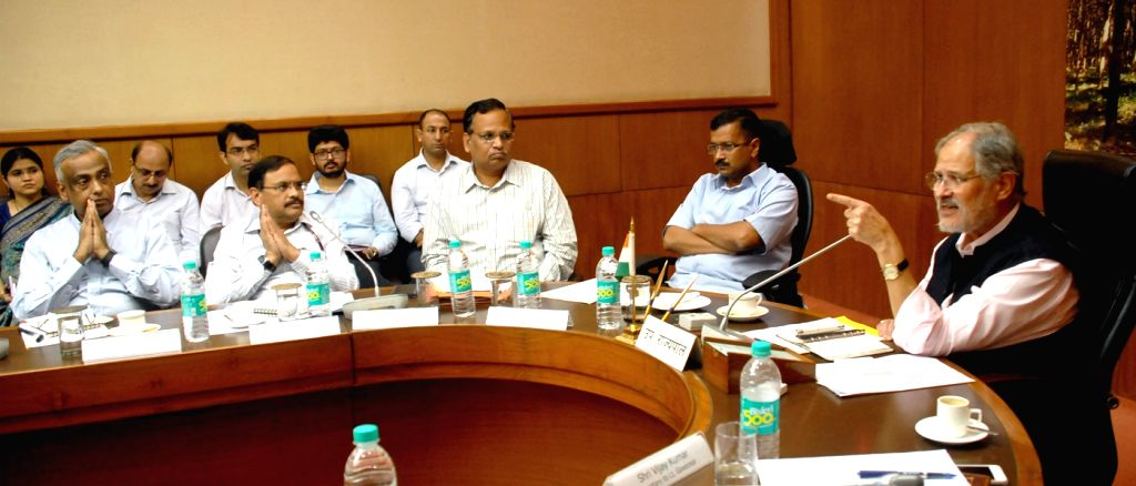 Delhi Chief Minister Arvind Kejriwal and Health Minister Satyendra Jain during a meeting with Lt. Governor Najeeb Jung regarding  at Raj Niwas in New Delhi, on Oct 5, 2016. - Arvind Kejriwal and Satyendra Jain
