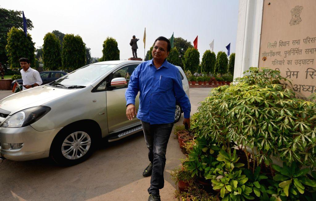 Delhi Chief Minister Arvind Kejriwal arrives at Delhi Assembly to attend a special session in New Delhi, on Sept 30, 2016. - Arvind Kejriwal