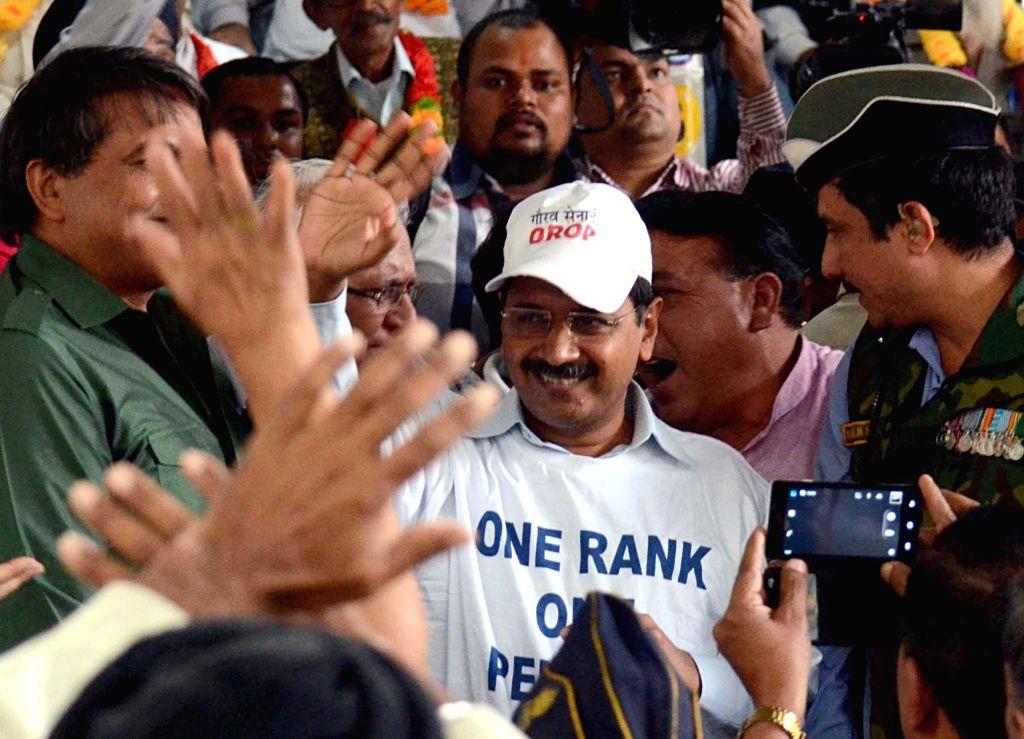 Delhi Chief Minister Arvind Kejriwal joins war veterans protesting against  delay in implementation of OROP at Jantar Mantar in New Delhi, on Nov 13, 2015. - Arvind Kejriwal