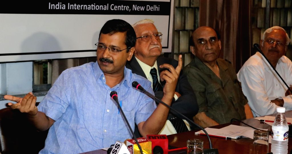 "Delhi Chief Minister Arvind Kejriwal with eminent lawyer Ram Jethmalani during ""CBI-X-Rayed"" -  a panel discussion in New Delhi, on May 31, 2016. - Arvind Kejriwal"