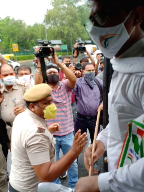 Delhi Congress chief Ch Anil Kumar being detained by Delhi police from India Gate while paying homage to our martyred in Galwan Valley, in New Delhi on June 26, 2020. - Kumar
