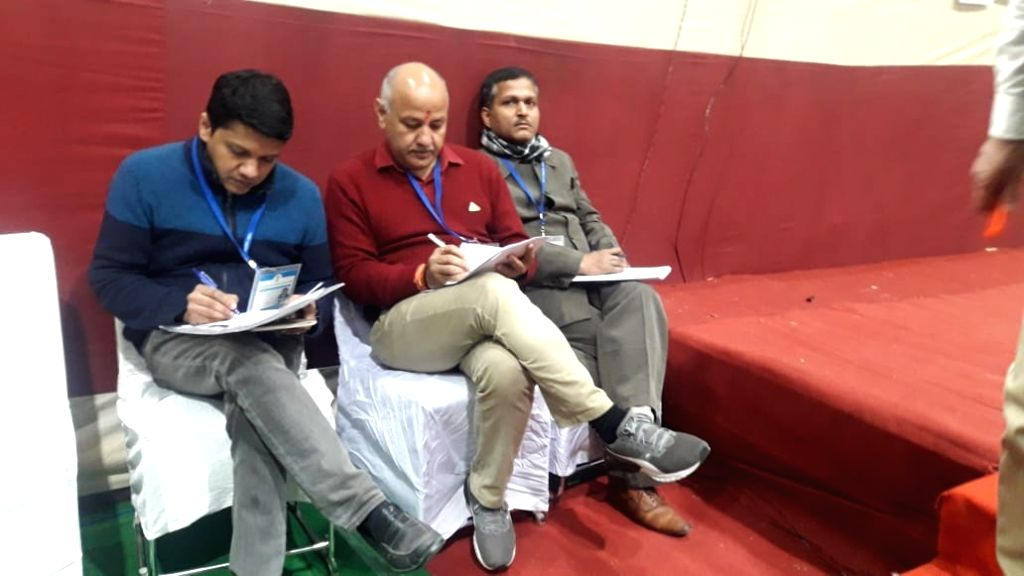 Delhi Deputy Chief Minister and Aam Aadmi Party candidate from Patparganj assembly constituency Manish Sisodia at Akshardham Counting center during the counting of votes for the recently ...