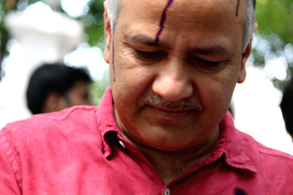 Delhi Deputy Chief Minister Manish Sisodia after an ink attack in New Delhi on Sept 19, 2016. - Manish Sisodia