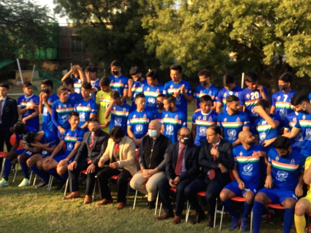 Delhi Deputy CM Manish Sisodia launches Sudeva Delhi FC team for I League .
