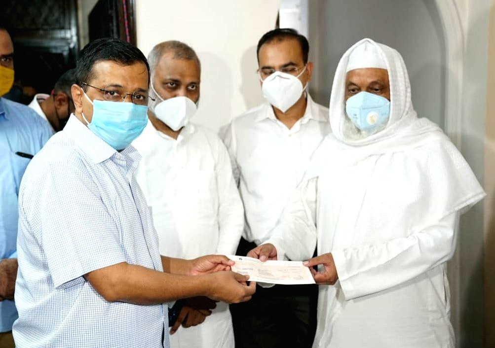 Delhi government provides Rs 1 crore financial assistance to the family of Corona warrior.