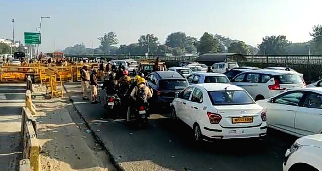 Delhi-Gurugram traffic