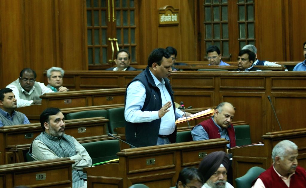 Delhi legislators during the winter session of Delhi Assembly on Nov 23, 2015.