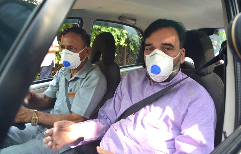 Delhi Minister Gopal Rai visits Delhi Zoo that has been shut down amidst bird flu Scare on Oct 19, 2016. - Gopal Rai