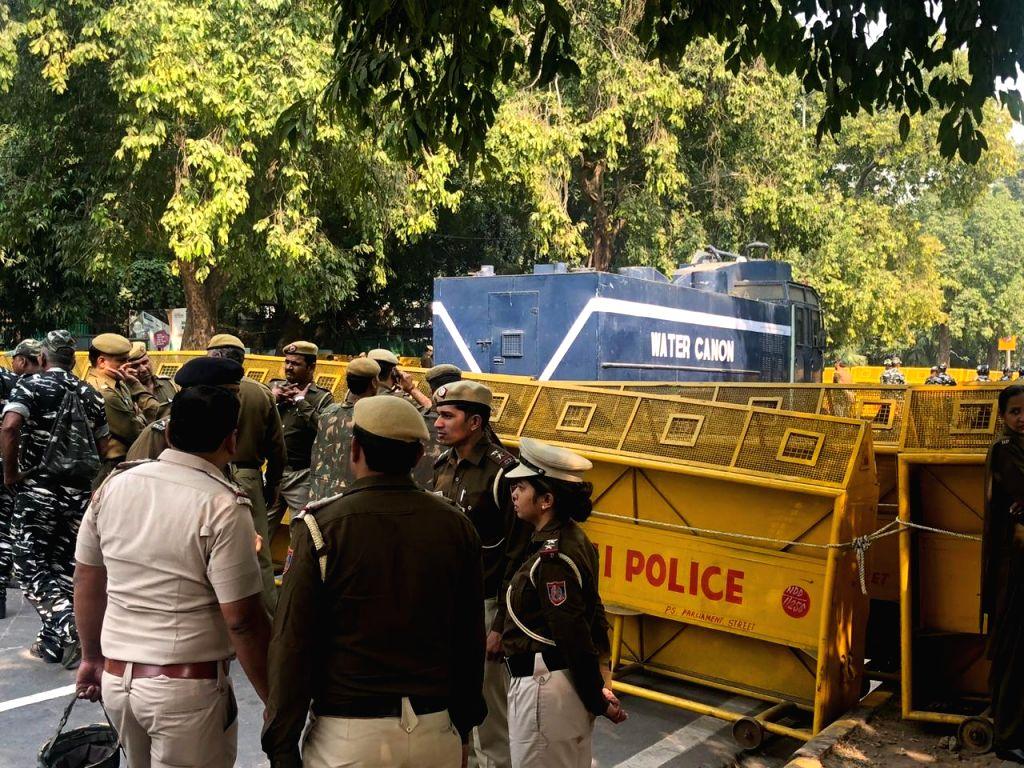 Delhi Police again blocks