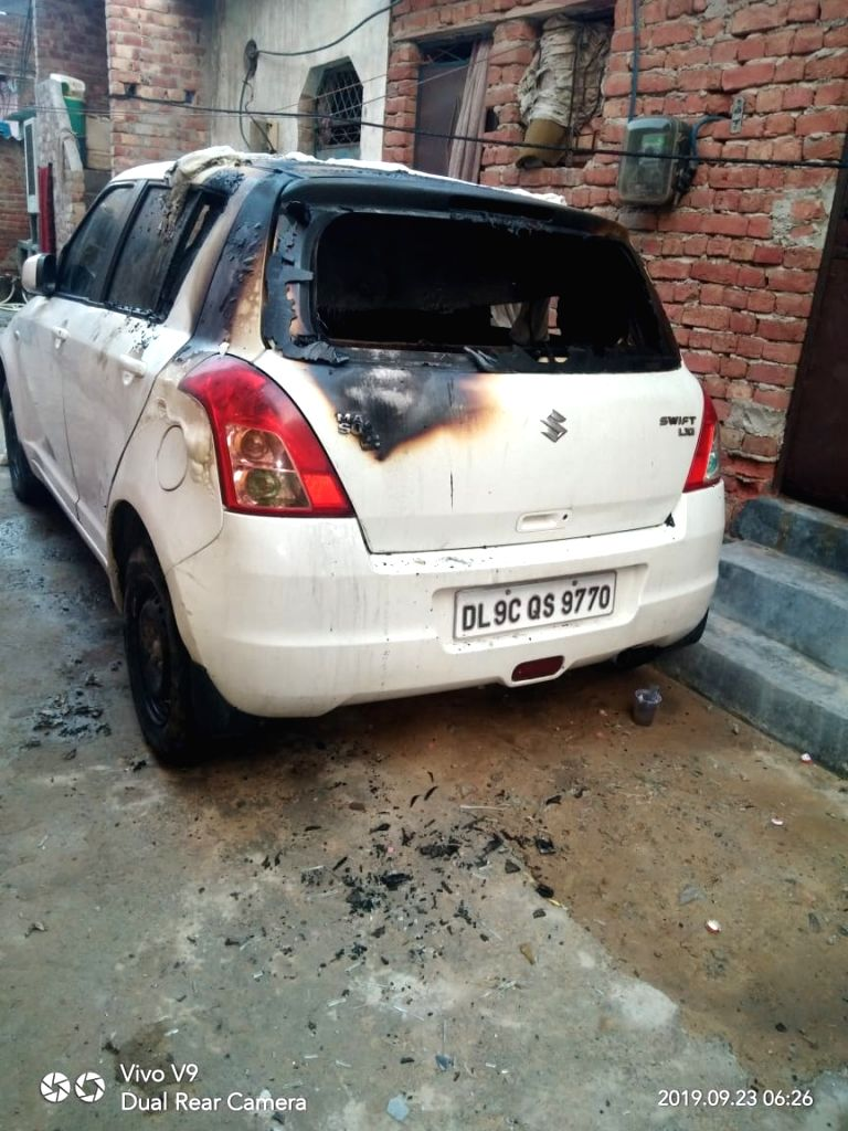 Delhi Police has arrested 2 miscreants Akash and Kuldeep from Kanjhawla in Rohini district who set vehicles on fire parked in the parking lot.