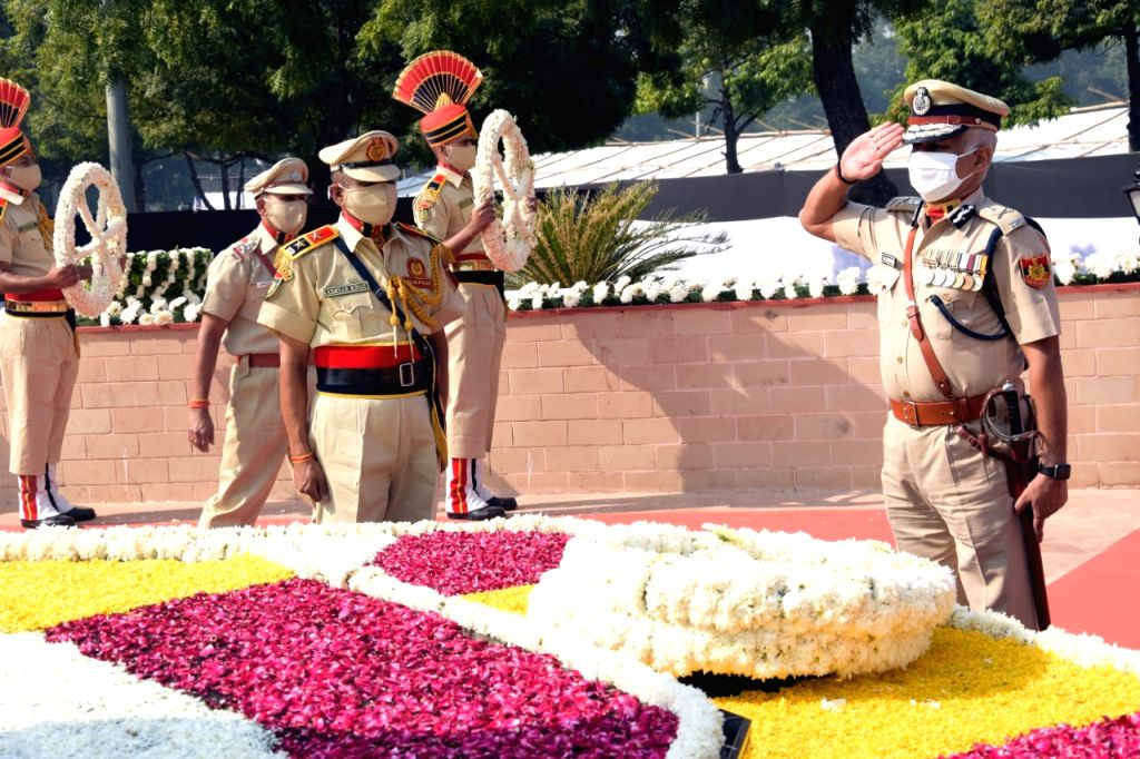 Delhi Police pays homage to martyrs on Commemoration Day.