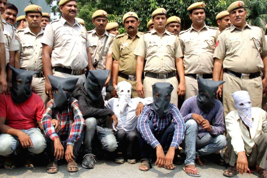 Delhi police present before the press seven Uttar Pradesh residents on the charge of kidnapping a Delhi-based doctor Vinod Kumar Verma and his compounder for ransom at Delhi Police ... - Vinod Kumar Verma