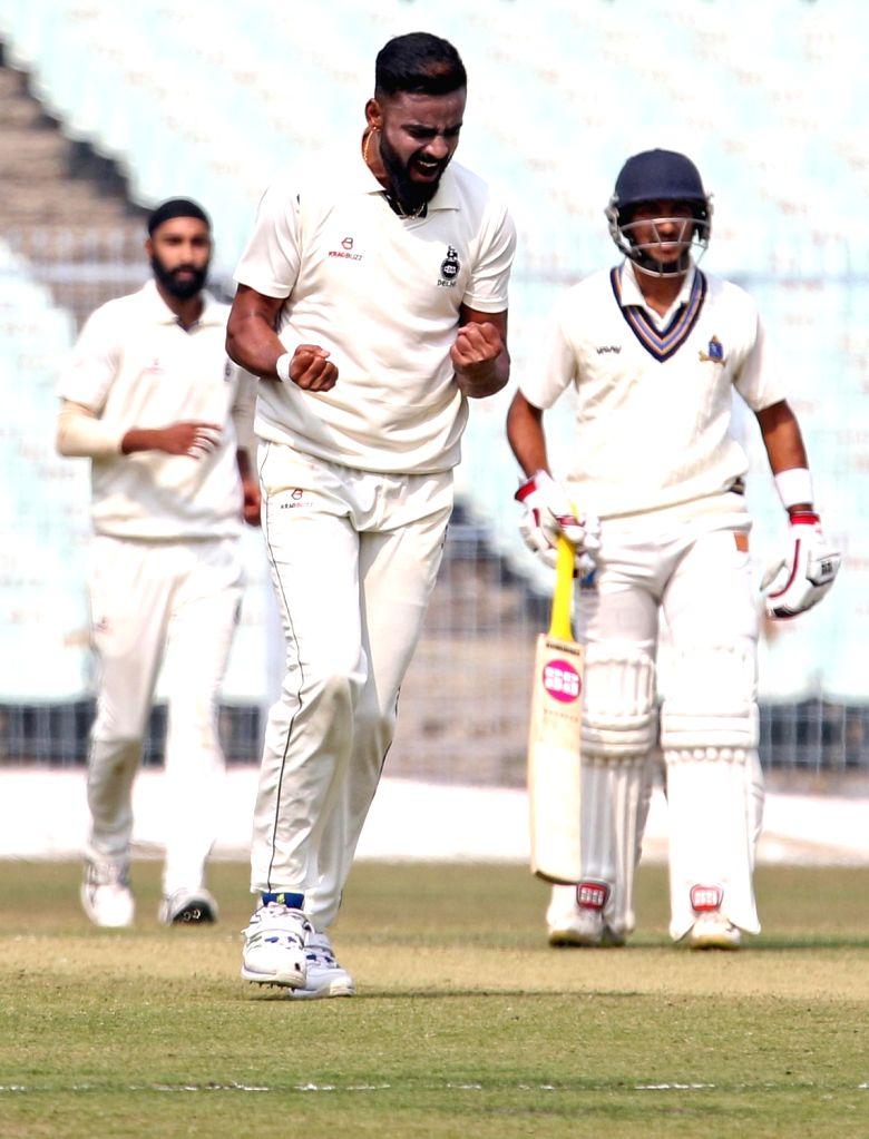 Delhi's Kulwant Khejroliya during a Ranji Trophy match between Delhi and Bengal at the Edeen Gardens in Kolkata on Jan 27, 2020.