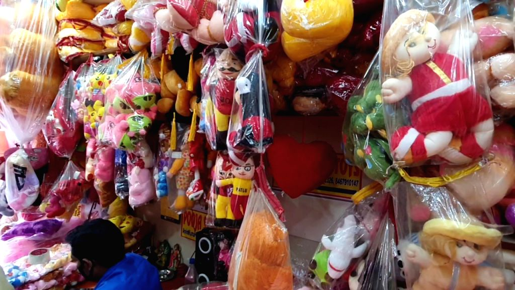 Delhi's Sadar Bazar cold to PM's idea of 'Made in India' toy industry.