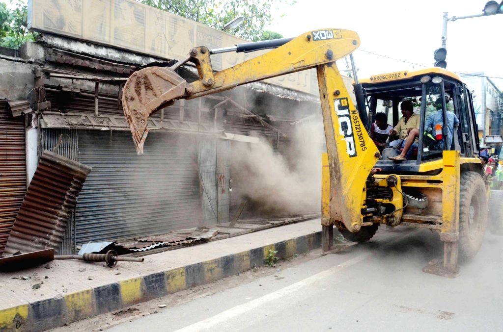 Delhi Transport Dept working on removal of encroachment.
