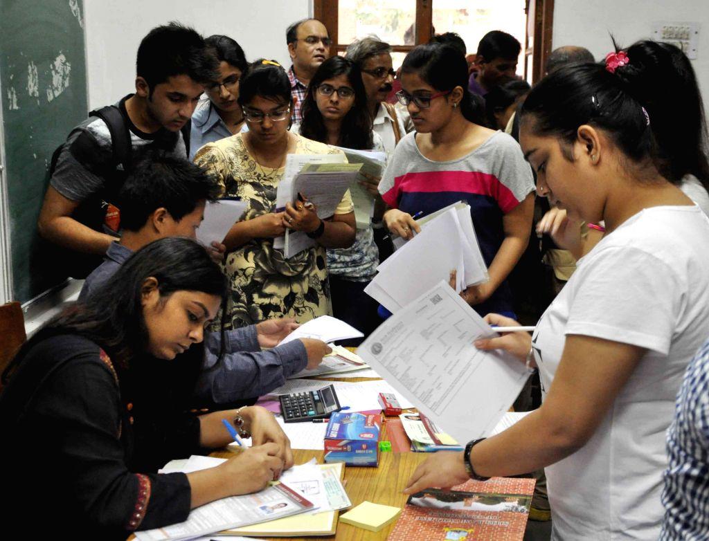 Delhi University aspirants submit their forms at Delhi University in New Delhi on June 25, 2015.