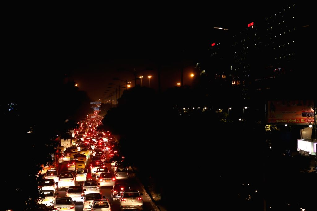 Delhi witnesses massive traffic jam as hundreds of protesting students of JNU were stopped from marching towards Parliament which also led to them scuffling with the police; in New Delhi ...