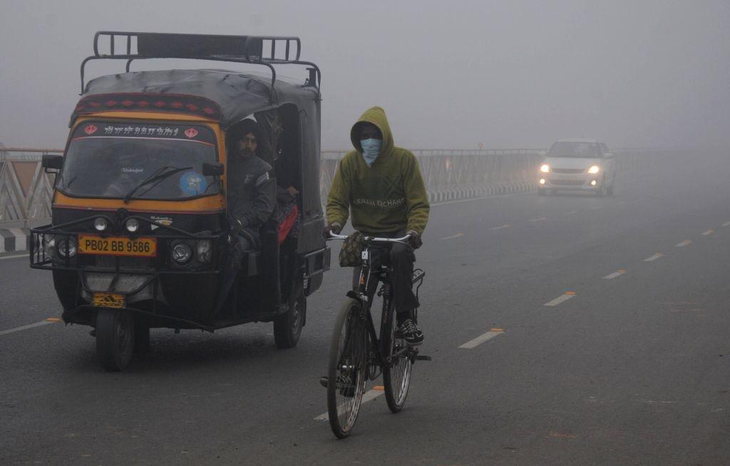 Dense fog covers Amritsar. (File Photo: IANS)