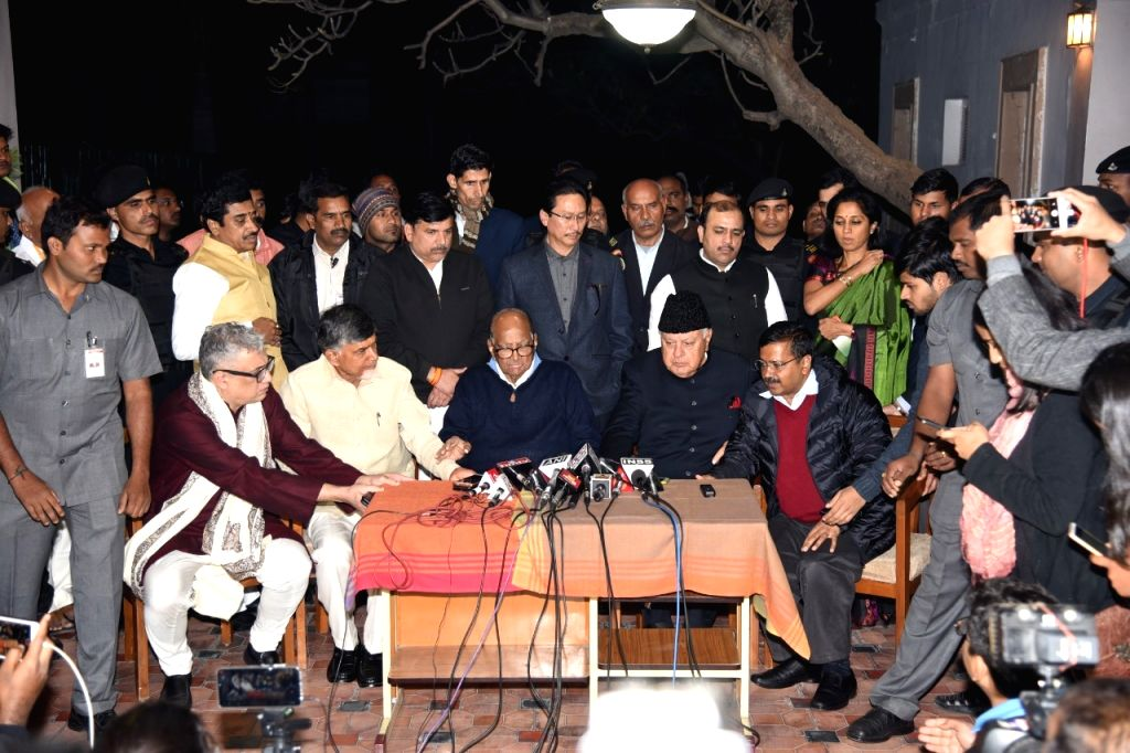 Derek O'Brien (Trinamool Congress),  N. Chandrababu Naidu (TDP), Sharad Pawar (NCP), Farooq Abdullah (NC) and Arvind Kejriwal (AAP) during a press conference in New Delhi on Feb 4, 2019. - N. Chandrababu Naidu and Arvind Kejriwal