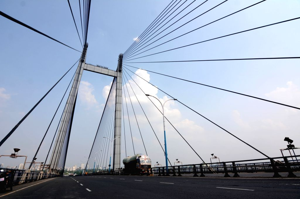 Deserted looks at 2nd Hooghly bridge during lockdown on Coronavirus pandemic in Kolkata   23 May, 2021.
