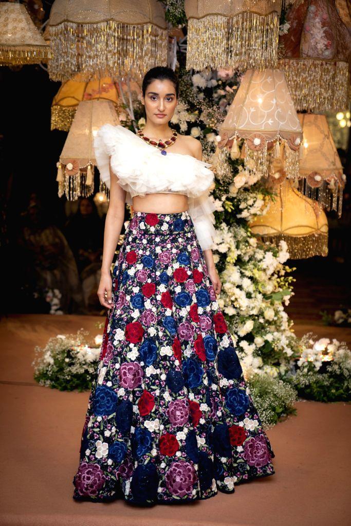 Designer Shriya Som helps you pick out a Diwali ensemble
