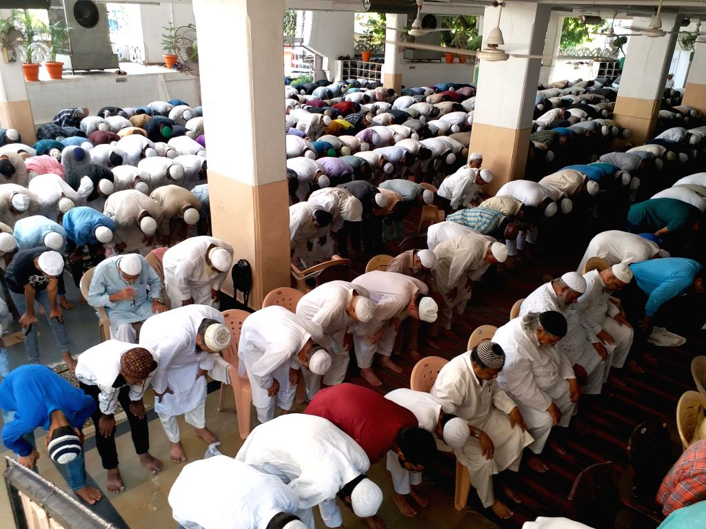 Devotees offer prayers on the first Friday of Ramadan at Badi Masjid, Mallepally in Hyderabad, on May 10, 2019.