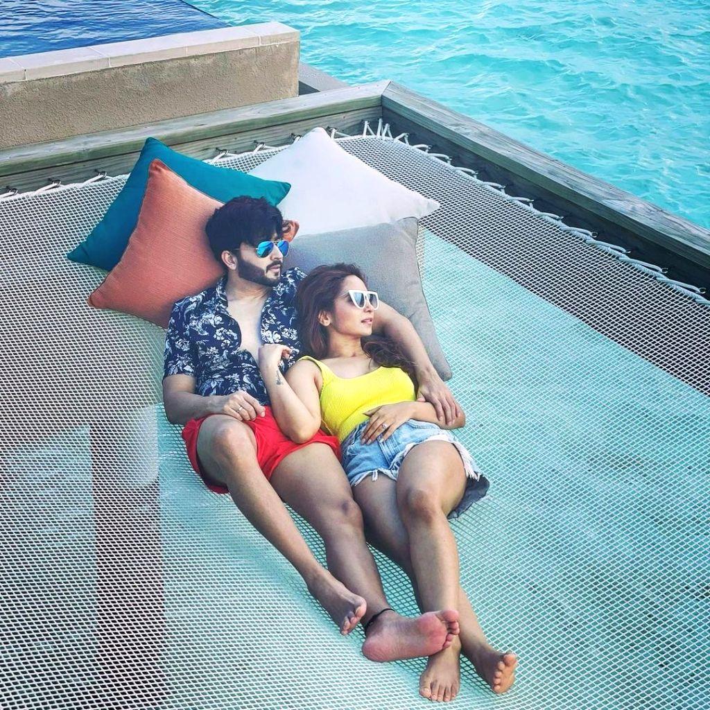 Dheeraj Dhoopar, Vinny Arora get romantic on Wedding Anniversary. - Vinny Arora