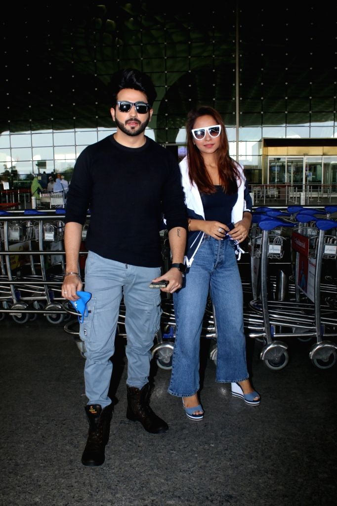Dheeraj Dhooper and Vinny Arora Spotted At Airport Departure Monday 22th February 2021.