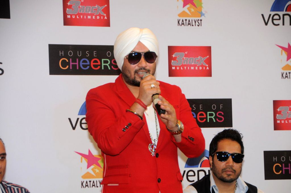 Dilbagh Singh perfoms during the launch of his music album The Victorian Secrets in Mumbai on July 21, 2014. - Dilbagh Singh