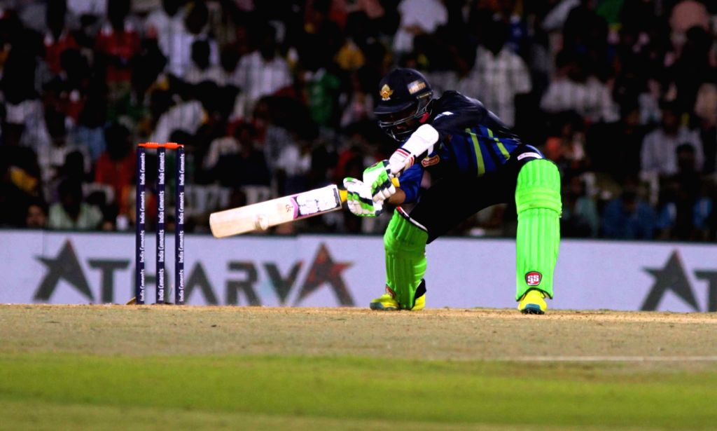 Dinesh Karthik of TUTI Patriots in action against Chepauk Super Gillies in the final match of Tamil Nadu Premier League 2016 in Chennai on Sept 18, 2016.
