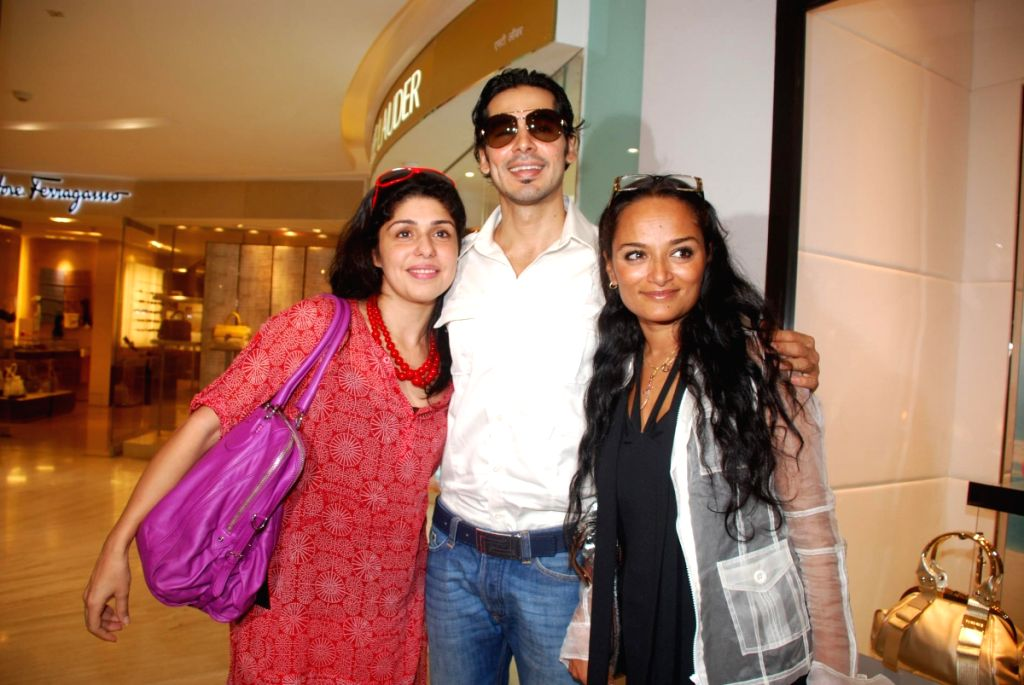 """Dino Morea at """"Versace"""" store launch."""