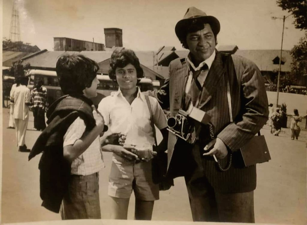 """Director Anees Bazmee has revealed in a throwback picture that he worked as a child actor in the 1981 film """"Naseeb"""". Bazmee, who has directed films like """"Pyaar To Hona Hi Tha"""", """"Welcome"""", """"Singh Is Kinng"""", """"Ready"""" and """"Mubarakan"""", took to Twitter on  - Amjad Khan"""