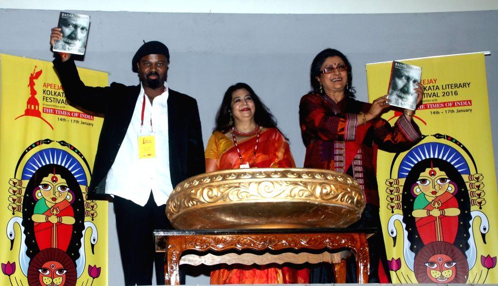 Director Aparna Sen and Nigerian writer Ben Okri during the release of a book `Apeejay Kolkata Literacy festival 2016` in Kolkata, on Jan 14, 2016.