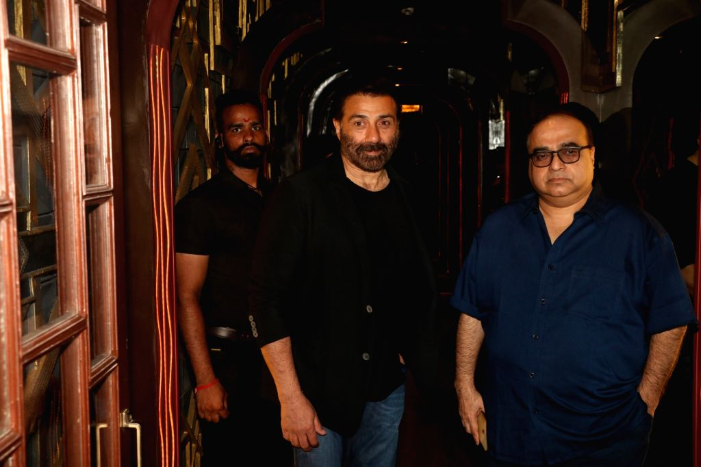 """Director Behzad Khambata with actor Sunny Deol at the wrap-up party of their upcoming film """"Blank"""" in Mumbai, on April 12, 2019. - Sunny Deol"""
