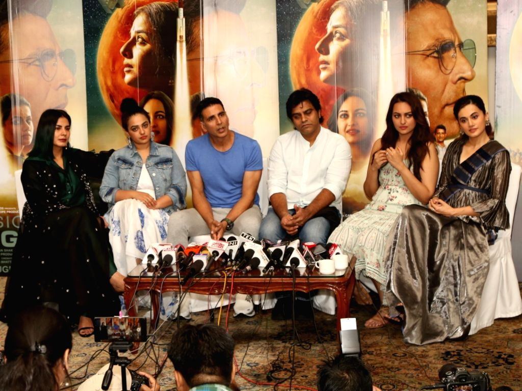 Director Jagan Shakti with actors Kirti Kulhari, Sonakshi Sinha, Akshay Kumar, Taapsee Pannu and Nithya Menen interact with media personnel during the promotions of their upcoming film ... - Kirti Kulhari, Sonakshi Sinha, Akshay Kumar, Taapsee Pannu and Nithya Menen
