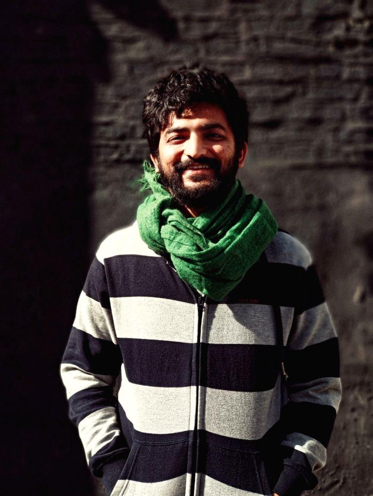 :Director Safdar Rahman.