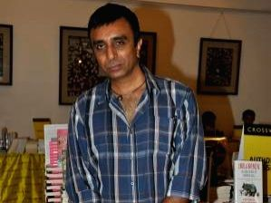 Director Sanjay Gadhvi .
