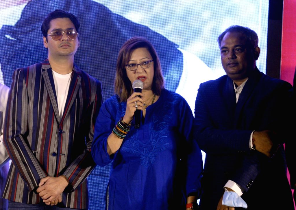 Director Suvendu Raj Ghosh and actors Supriya Karnik and Amyth Sethi at the trailer launch of their upcoming film 'Main Mulyam Singh Yadav', in Kolkata on Jan 7, 2021. - Supriya Karnik, Amyth Sethi, Suvendu Raj Ghosh and Mulyam Singh Yadav
