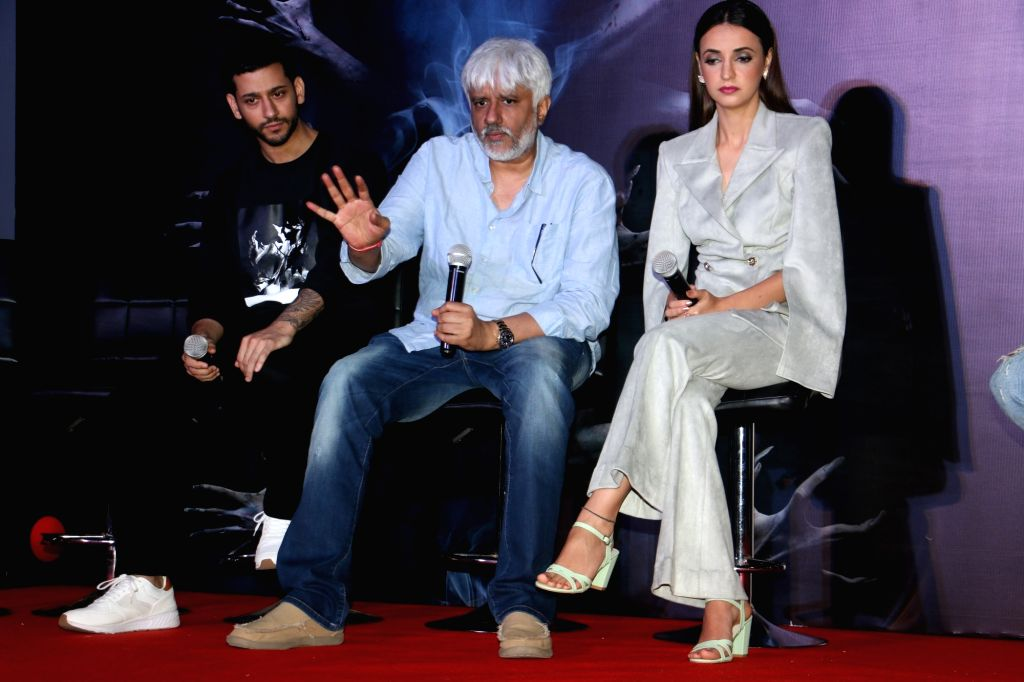 """Director Vikram Bhatt and actors Shivam Bhaargava and Sanaya Irani at a press conference during the promotions of their upcoming film """"Ghost"""" in Mumbai on Oct 15, 2019. - Shivam Bhaargava and Sanaya Irani"""