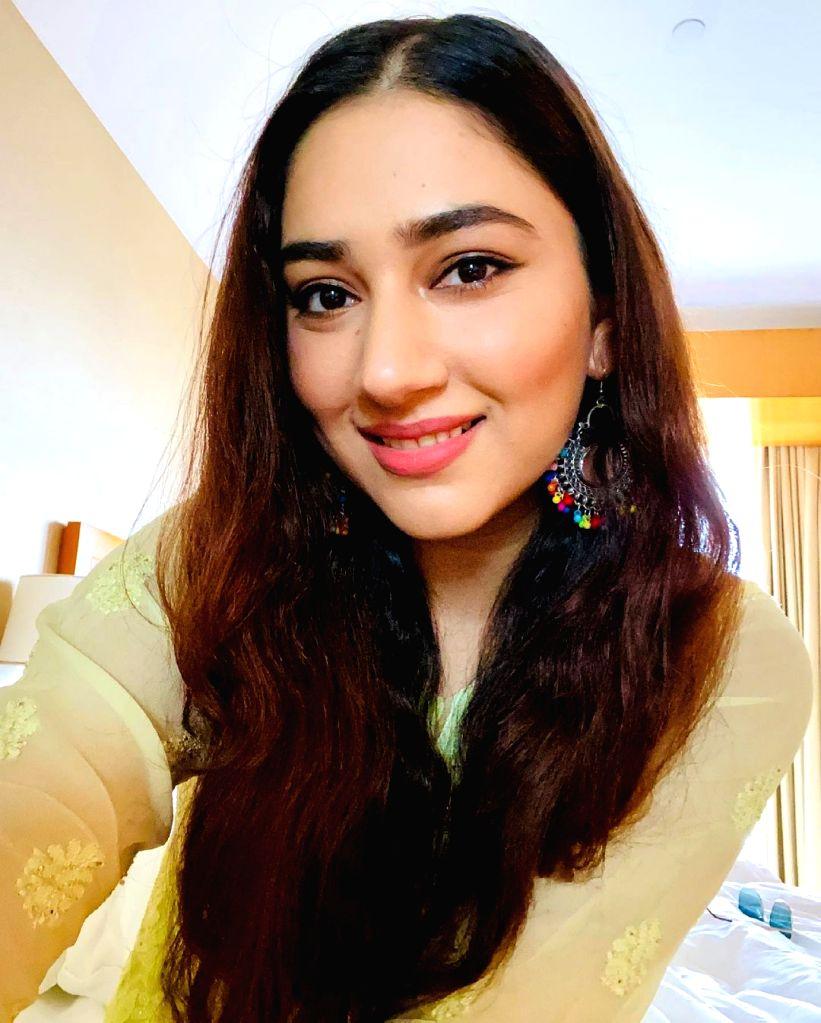 Disha Parmar's stressbuster: Put on some lipstick, feel good